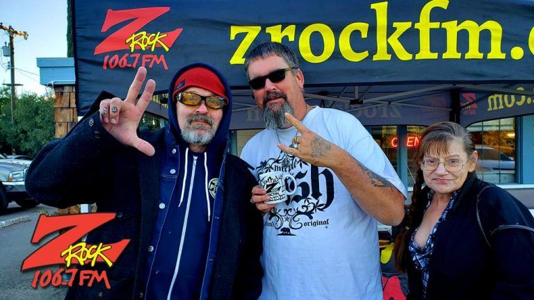Tim Buc Moore poses with Buc-Heads at Gridley Grill & Crab Shack for Wake the Buc Up 2019 for 106.7 Z-Rock on October 31st