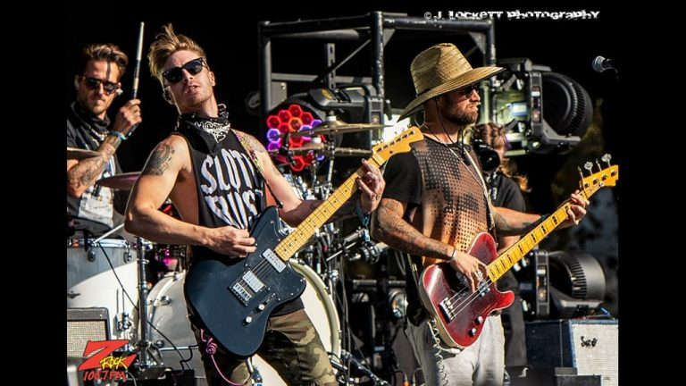 106.7 Z-Rock at Aftershock Festvial 2019 Saturday October 12th 2019 at Discovery Park in Sacramento California, Highly Suspect performs