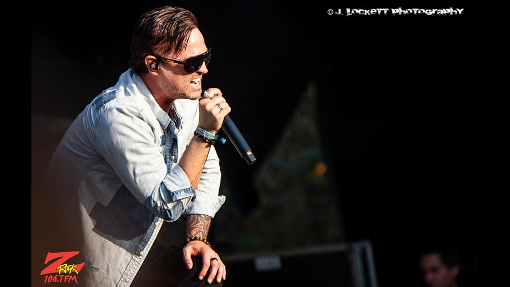106.7 Z-Rock at Aftershock Festvial 2019 Saturday October 12th 2019 at Discovery Park in Sacramento California, Jeff Gutt of Stone Temple Pilots performs