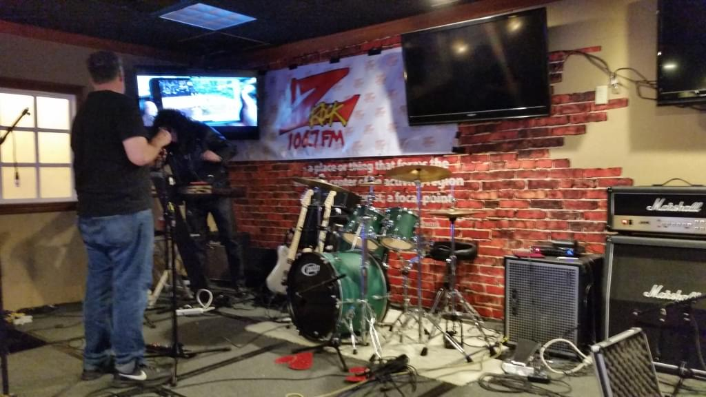 Bitter Ball: Up To Eleven getting set up at the Ramada Plaza Chico for the post-shredding festivities!